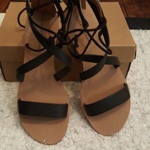 New string Lucky brand sandles